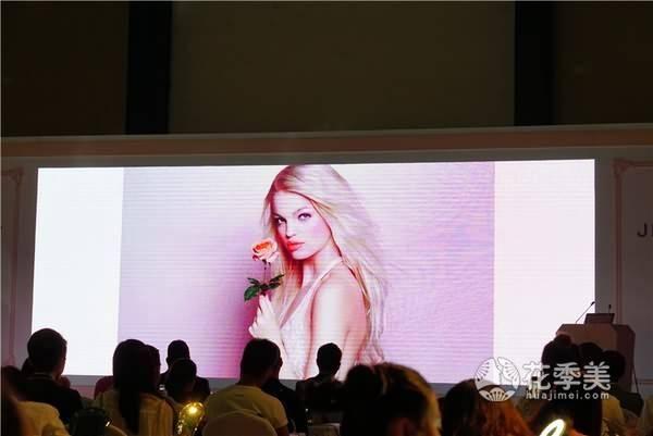 少女时尚彩妆品图片007