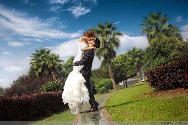 婚纱照怎么拍摄有个性?10个创意婚纱摄影造型推荐