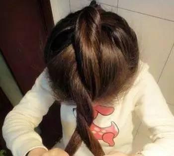 适合00后女生的丸子头发型推荐,丸子头怎么扎法?