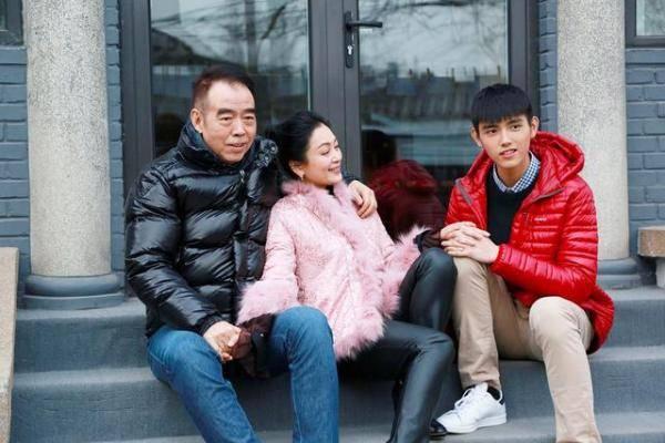 陈飞宇个人资料背景,陈凯歌与陈红儿子陈飞宇正式出道