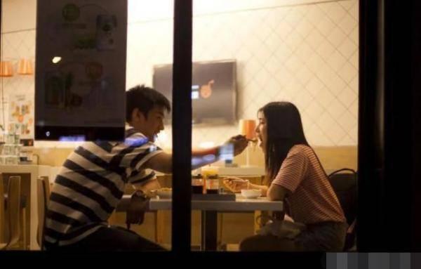大学毕业后大四男女生怎么选择方向?爱情工作生活