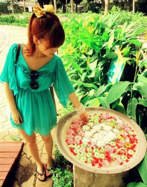 夏天终于来了,女生萌妹纸又可以穿上美美哒裙子图片