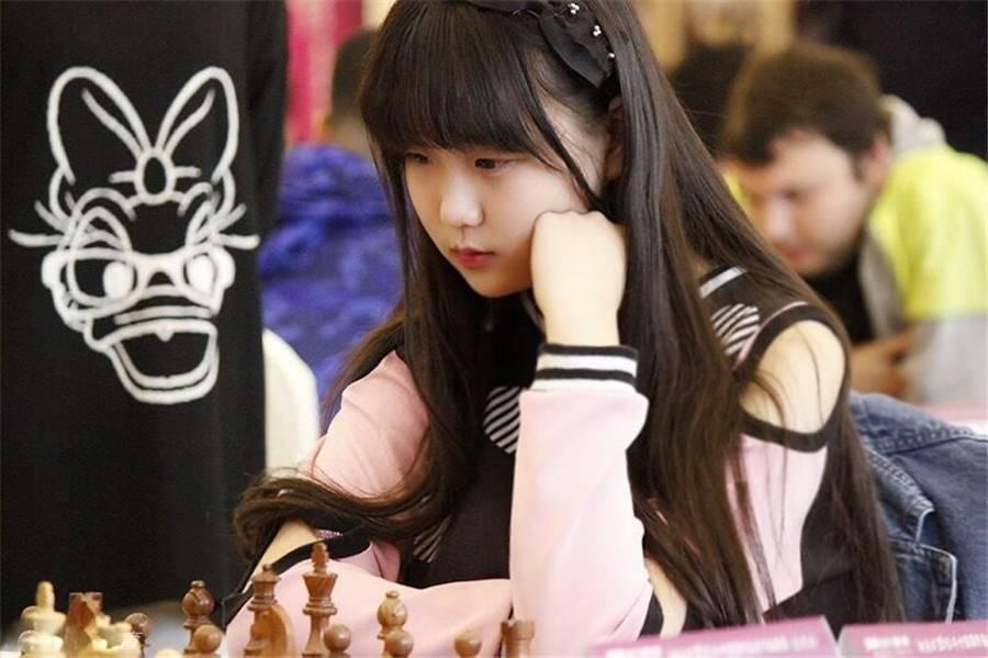 00后16岁国际象棋美少女袁烨最新写真照片清纯可爱